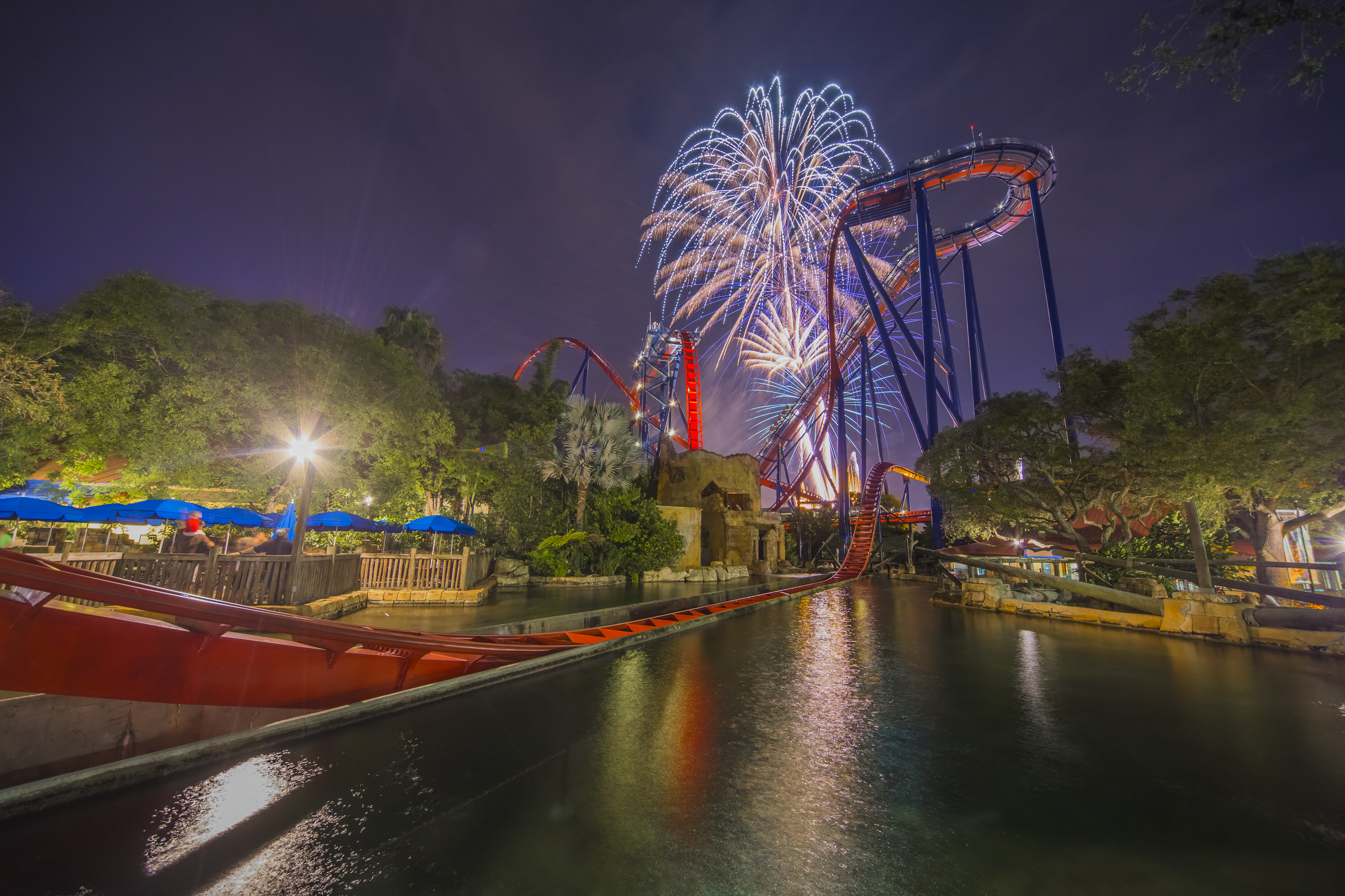 Extended Hours & Fireworks Finale @ Busch Gardens | Macaroni Kid