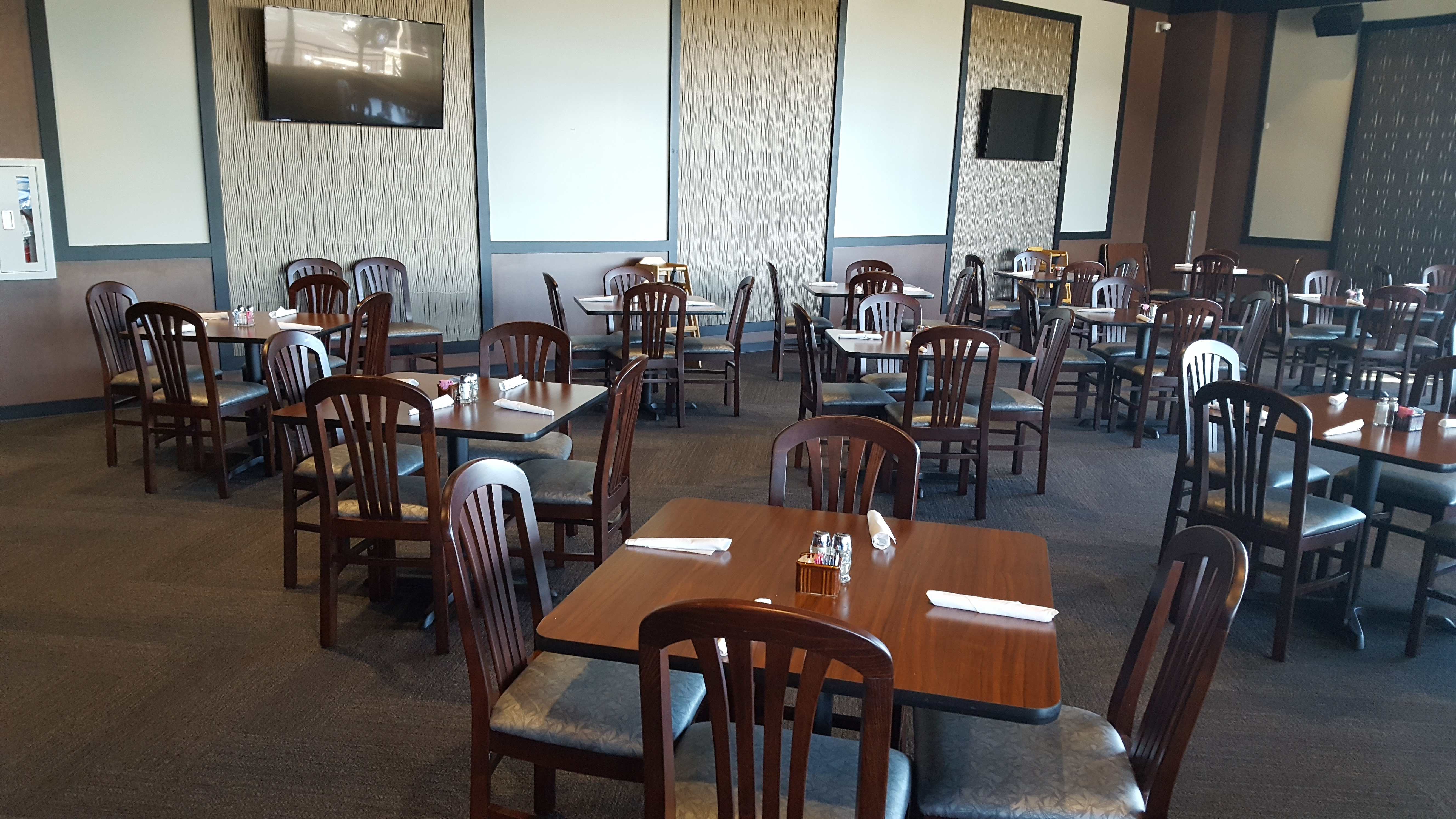 dining room service articles. you can choose from indoor dining in a gorgeous room or outdoor space as well. there is also full-service bar which placed between the service articles