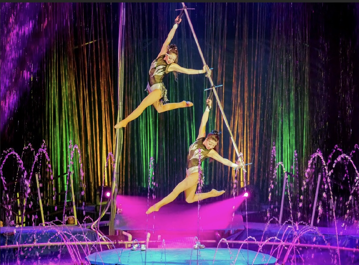 Cirque Italia Water Circus is Coming to Dearborn MI!!