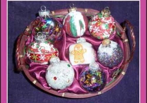 Easy Custom Ornaments to make
