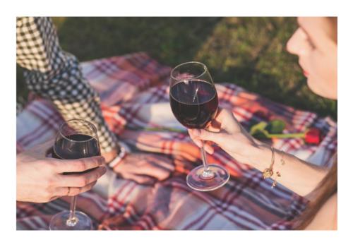 picnic wine outdoor date