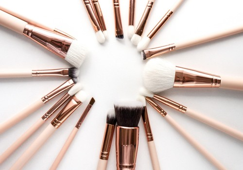 How to Apply a Color Corrector and Concealer
