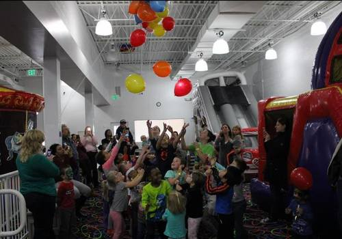 Make a Balloon Drop for the kids for New Years