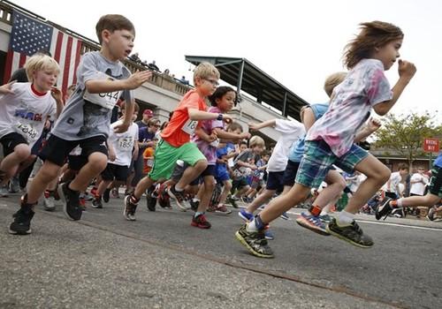 great train race run