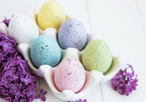 How to Make Natural Dyes For Your Easter Eggs