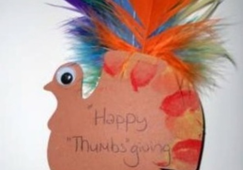 """Easy Thanksgiving Craft: """"Thumbs""""-giving Turkey"""