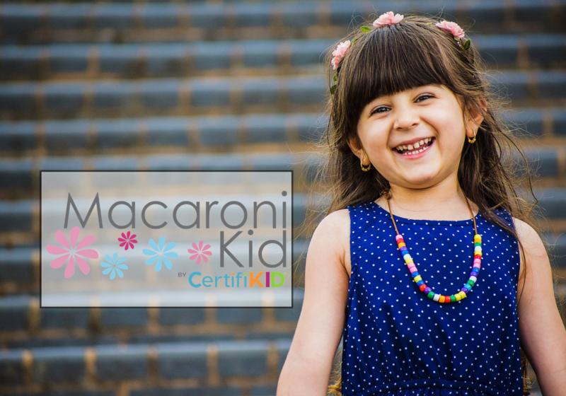 little girl flowers in her hair