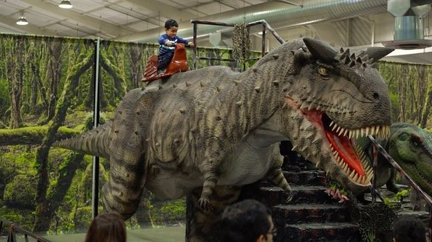Win a Family 4 Pack of Tickets to Jurassic Quest Evolved