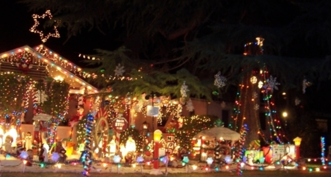 simplify your search for christmas lights with these must see neighborhoods - Local Christmas Lights Displays