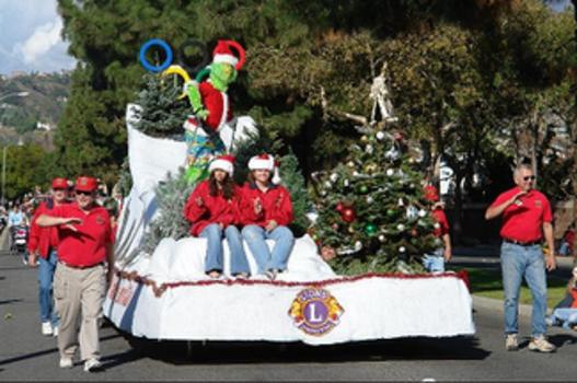 Camarillo Christmas Parade.Camarillo Christmas Parade Santa S Village