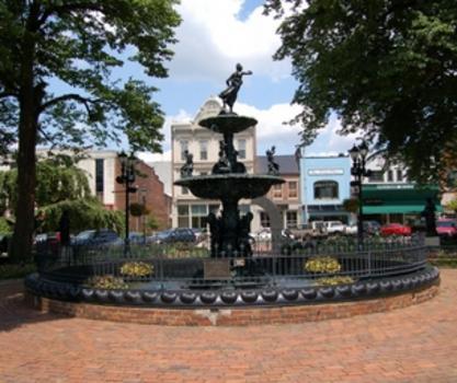 http://macaronikid.com/media/town/roanoke/article-1309458-1471984857.01