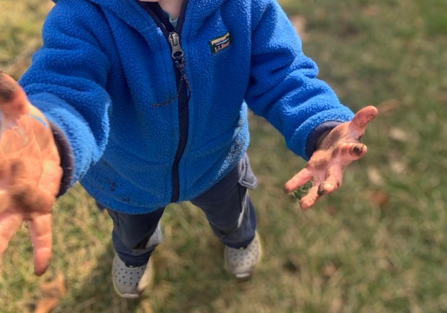 Dirty toddler hands