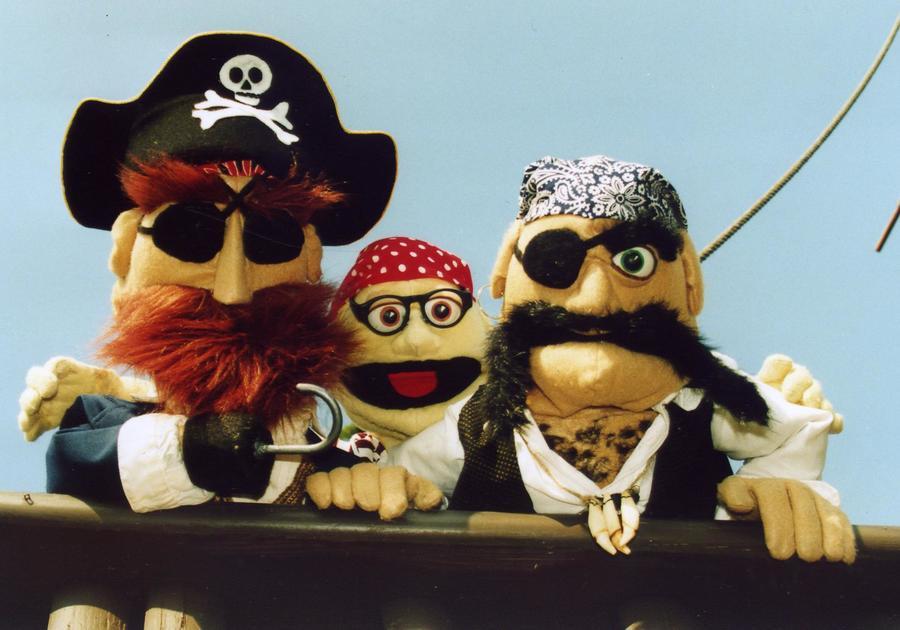 pirate puppets