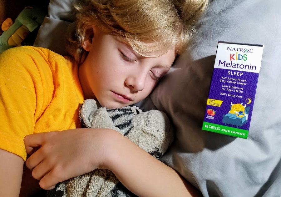 A review of Natrol Kids Melatonin, helping kids get to sleep faster.
