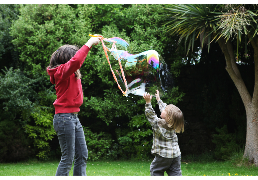 Find your family fun free or almost free activities to keep the kids busy