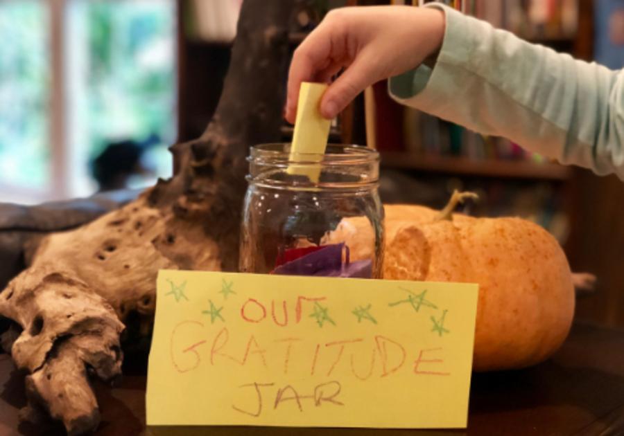 How to make a gratitude jar