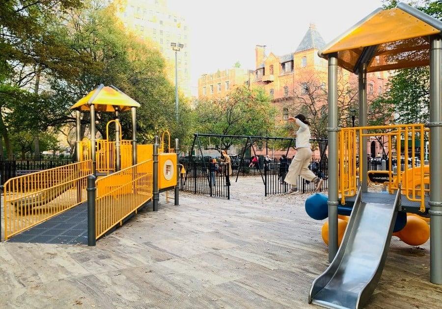 Tompkins Square Park, playgrounds manhattan, parks manhattan