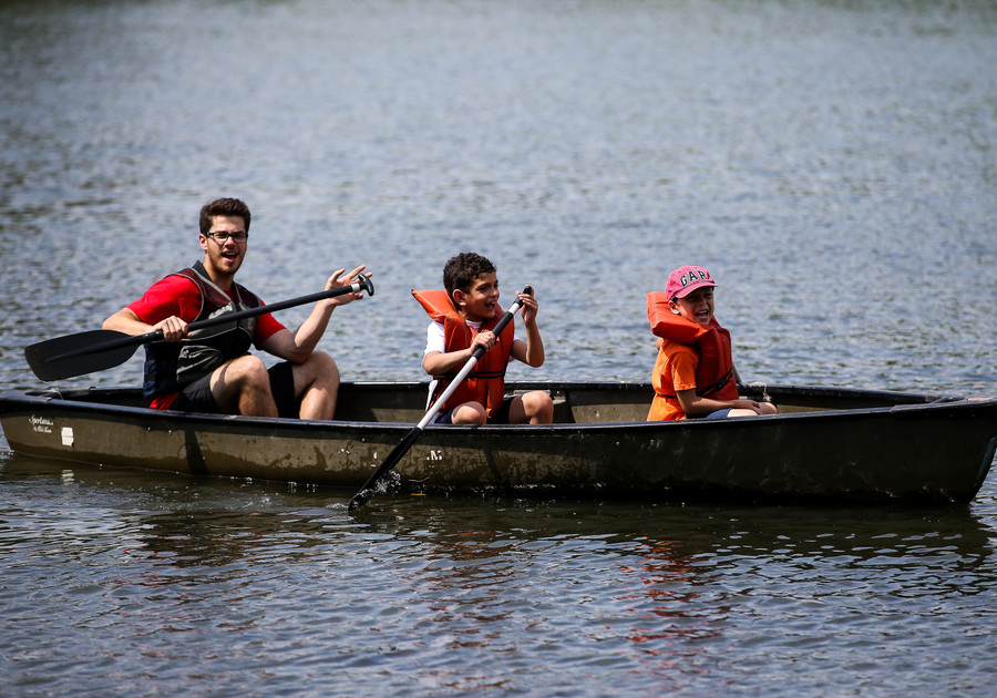 Cranbrook Summer Camps kids canoeing