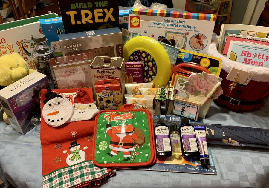 Mega holiday basket giveaway