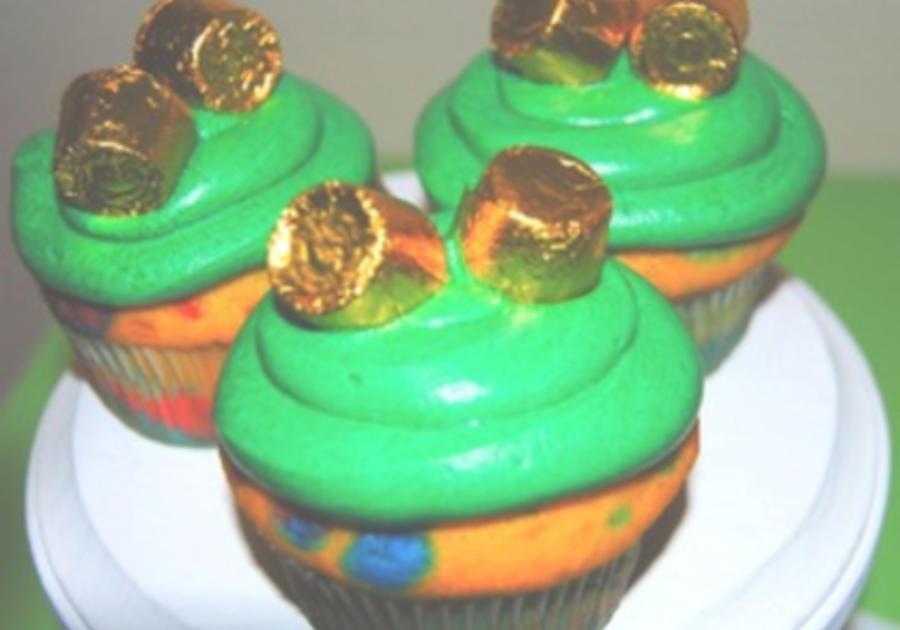 St Patrick Rainbow cupcakes