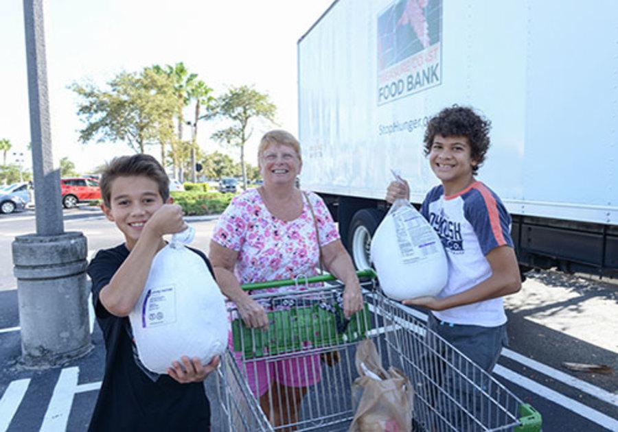 Treasure Coast Food Bank Holiday Food & Fund Drive Volunteers